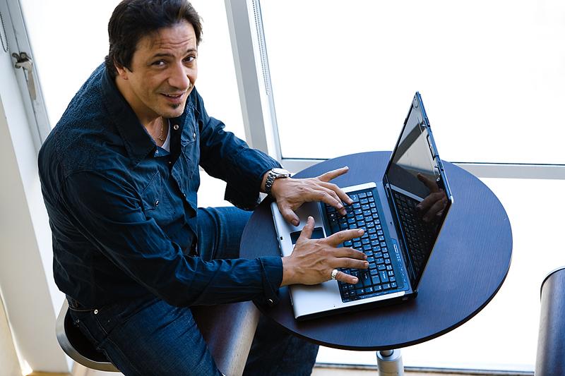 laptop41857993.jpg
